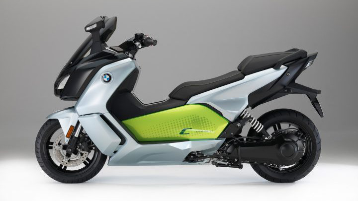 BMW C evolution Scooter Elétrica Cinzenta e Verde Vista Lateral