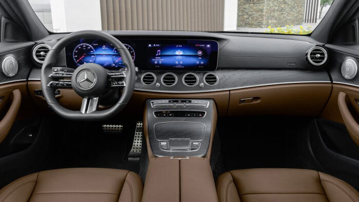 Mercedes-Benz E300 e Carro Híbrido Plug-in Vista Interior