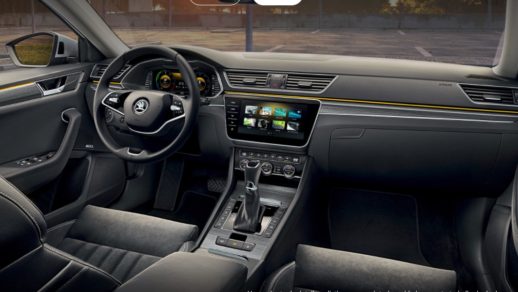 Skoda Superb iV Carro Híbrido Plug-in Vista Interior